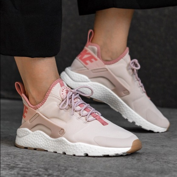 992981793e67 NWT Nike Air Huarache Run Ultra Premium Pink